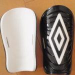 子供サッカー用シンガード(すねあて)買いました。UMBRO(アンブロ)「UJS4000」