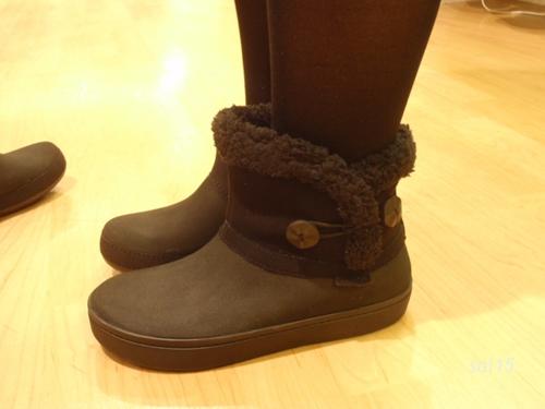 試し履き1modessa synthetic suede shorty boot w
