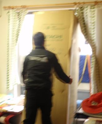 2階リビング 冷蔵庫 搬入