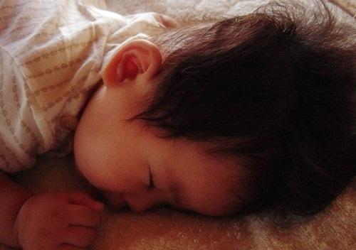 夜泣き 赤ちゃん 次男くん