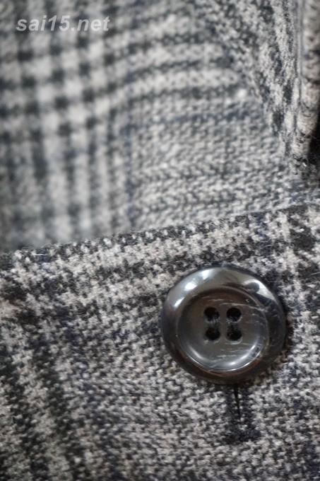 黒タイトスカートのコーディネイト画像・グレンチェック コート