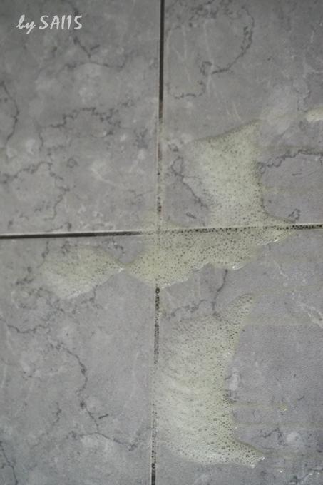 マジックリン洗剤使用前の壁