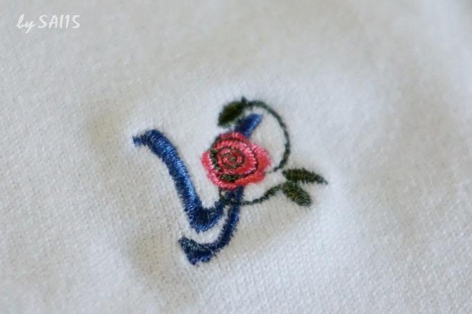 刺繍いり ローズイニシャルネイビー