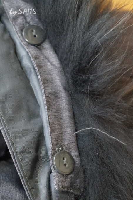 ボタンでフード取り外し可能 ベルーナ・リアルファー付ダウンコート (14)
