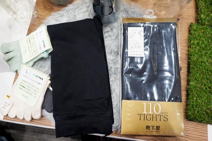 黒ブラックのプレミアムタイツ110デニール Tabioタビオ (16)
