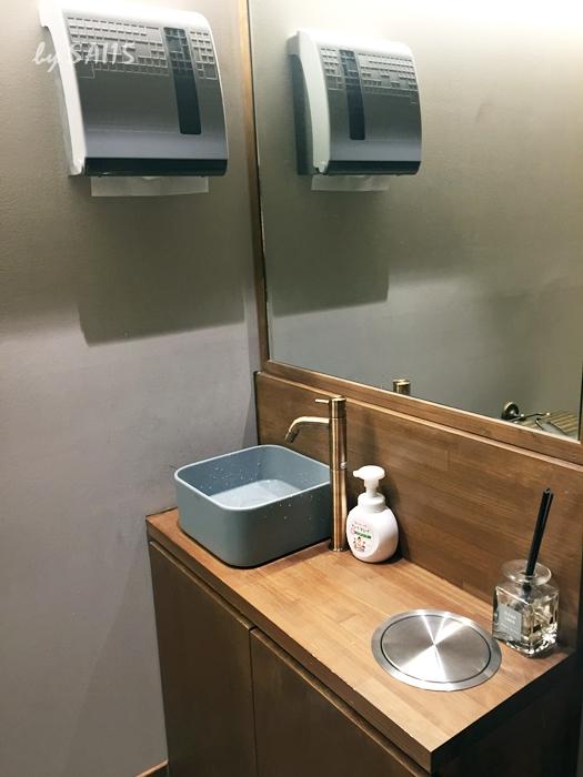 トイレはシンプルで清潔でした