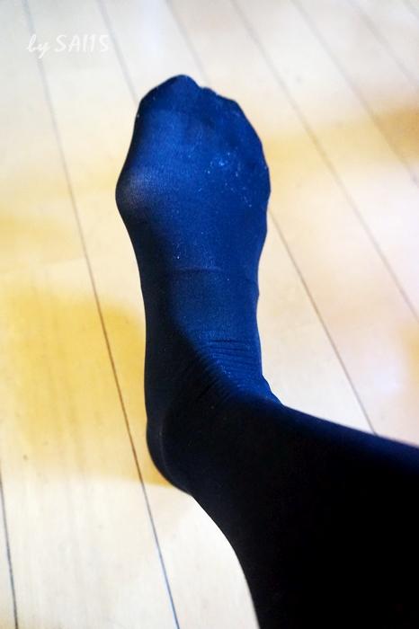 黒ストッキングと合わせて5本指つま先靴下はいてみた